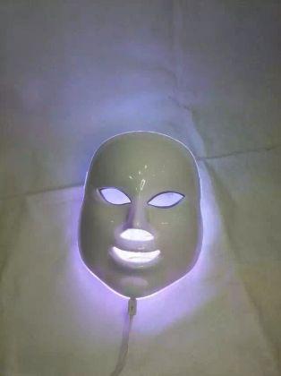 Козметична LED маска за лице - Маска за фотодинамична терапия